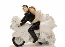 Γαμήλια Κορυφή Γαμπρός & Νύφη Σε Μηχανή 13x14.5cm (κωδ. 8042)