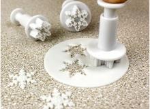"PME ""Snowflake Plunger Mini Cutter Set"" - ΚΟΥΠΑΤ ΣΦΡΑΓΙΔΑ ΜΙΝΙ ΧΙΟΝΟΝΙΦΑΔΕΣ σετ 3 (κωδ. CD0709)"